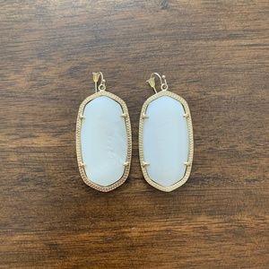 Kendra Scott Elle Gold Drop Earrings in White Pear